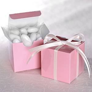 Rózsaszínű köszönetajándék doboz