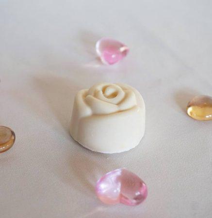 Virágmintás kézműves szappanok több színben, és illatban (20 gr)
