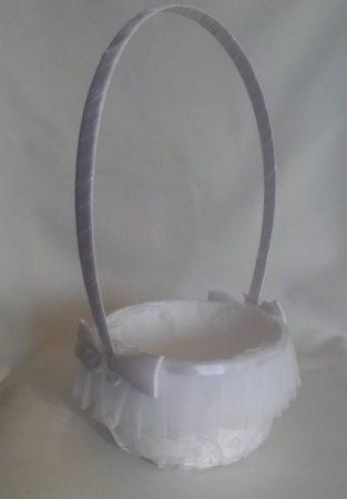 Sziromszóró kosár szatén masnival fehér vagy krém színben