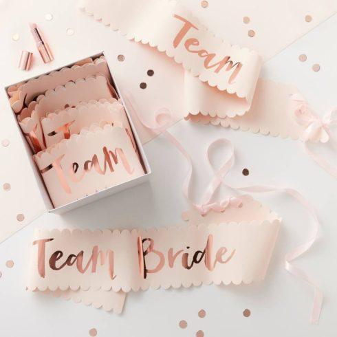 """""""Team Bride"""" lánybúcsús vállszalagok (6 db-os csomag)"""