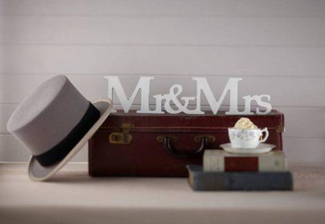 Mr & Mrs  asztali felirat