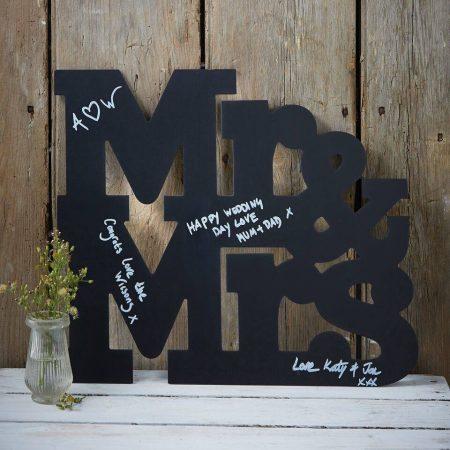 Mr & Mrs alakú krétatábla - alternatív esküvői vendégkönyv
