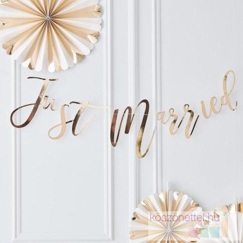 """""""Just married"""" aranyszínű felirat (25*150 cm)"""