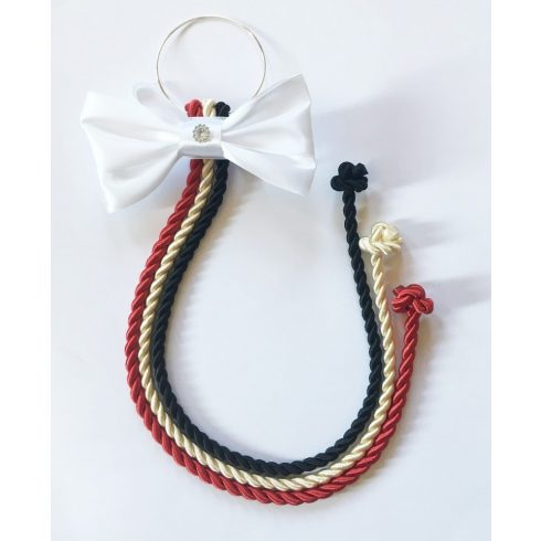 Selyemfényű kötelek karikára fűzve választható dísszel (piros-krém-fekete)