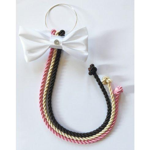 Selyemfényű kötelek karikára fűzve választható dísszel (rózsaszín-krém-sötétbarna)