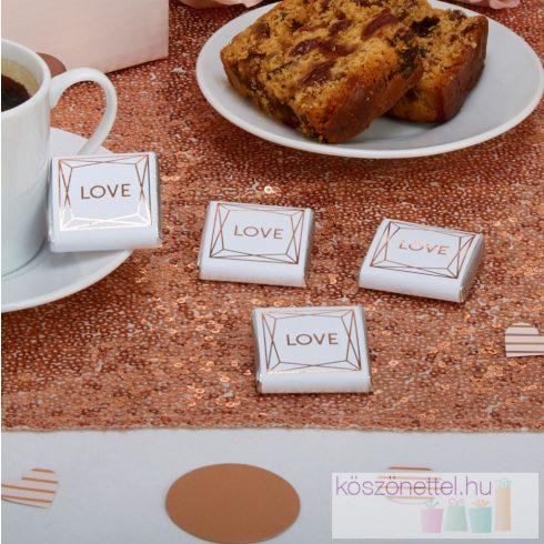 Love - bronz színű mintával díszített csoki