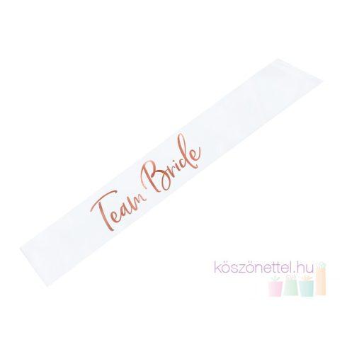 """""""Team Bride"""" fehér színű szatén vállszalag rose gold felirattal"""