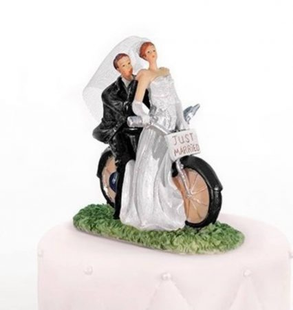 """""""Bicikliző nászpár"""" tortadísz"""