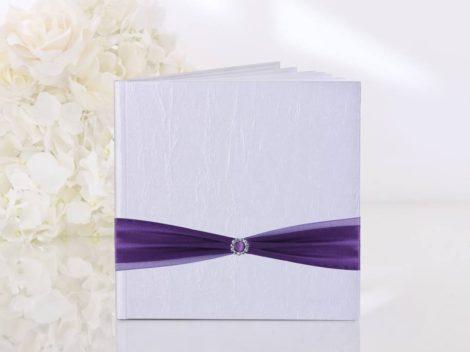 Gyöngyház vendégkönyv lila selyem szalaggal