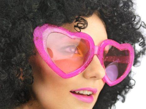 Óriás szív szemüveg rózsaszín vagy piros színben