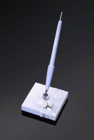 Fehér csipke tollkészlet