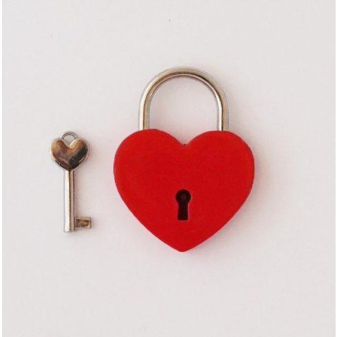 Szív alakú szerelemlakat - piros