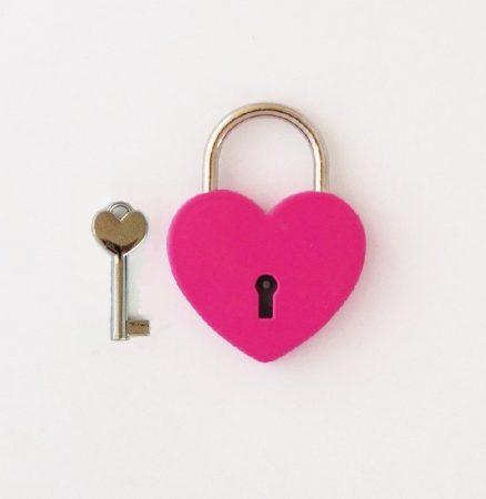 Szív alakú szerelemlakat - pink