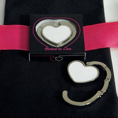 Szív alakú táskatartó