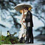 """""""Csók az esőben"""" esküvői tortadísz"""