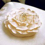 Virágszirom - gyűrűpárna fehér vagy pezsgő színben